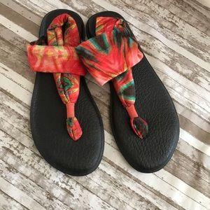 Sanuk sandals size 8 soft knit fabric